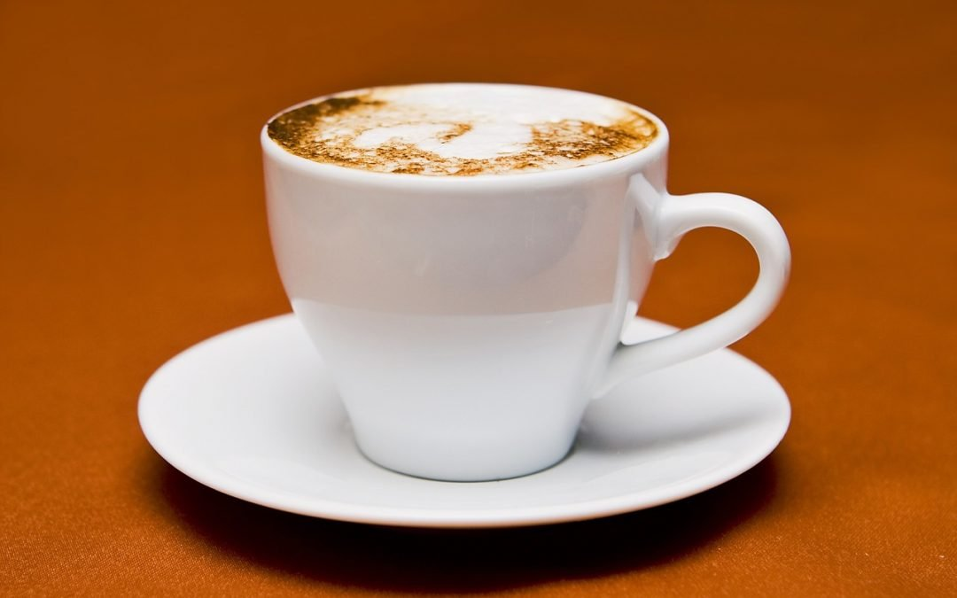 Drinking coffee tied to lower risk of death | Reuters